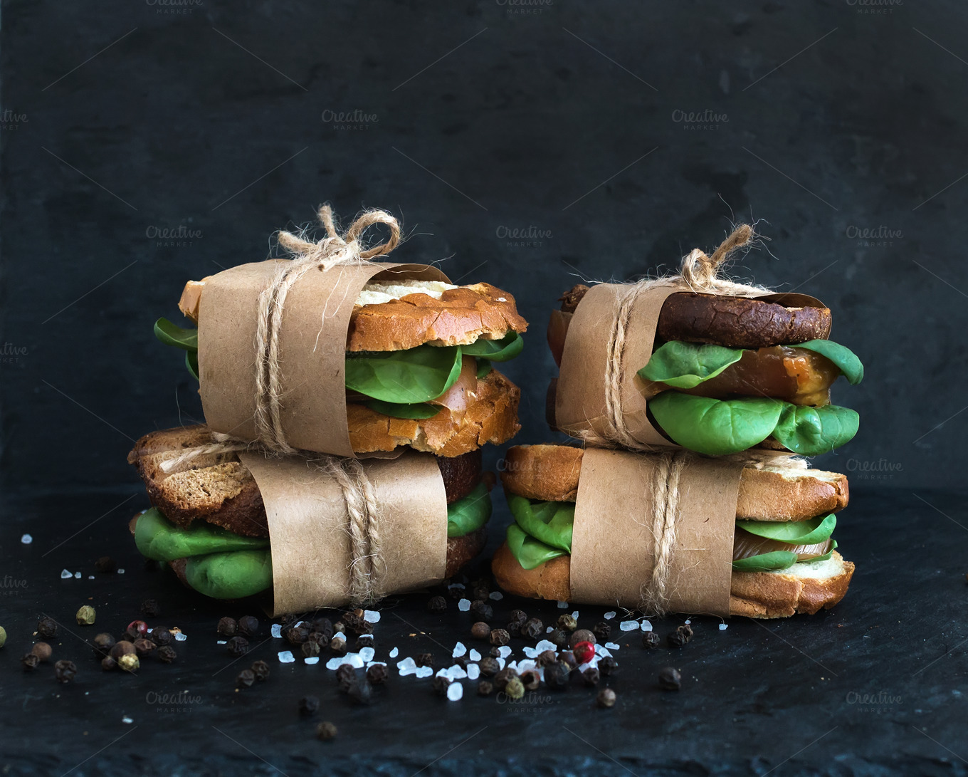 Sandwiches-wrapped-in-craft-paper