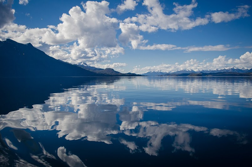 Sky-reflecting-in-the-lake
