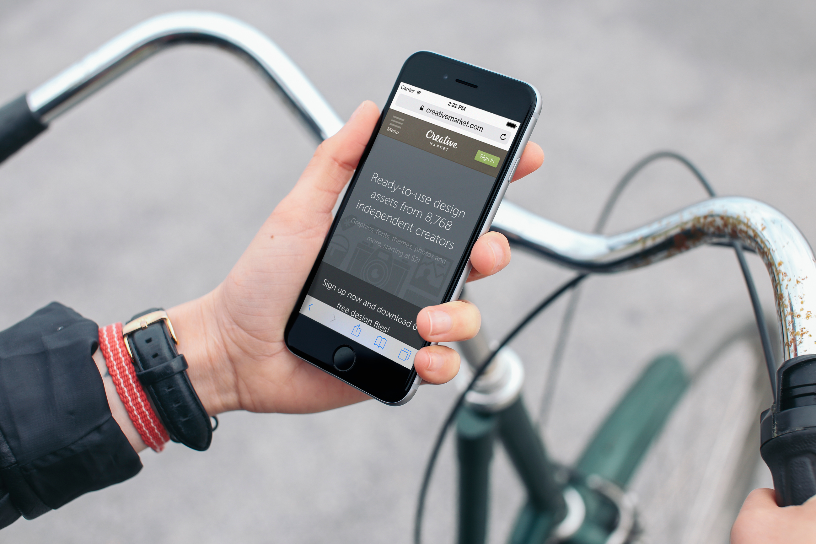 iPhone-6-Mockup-on-Bike