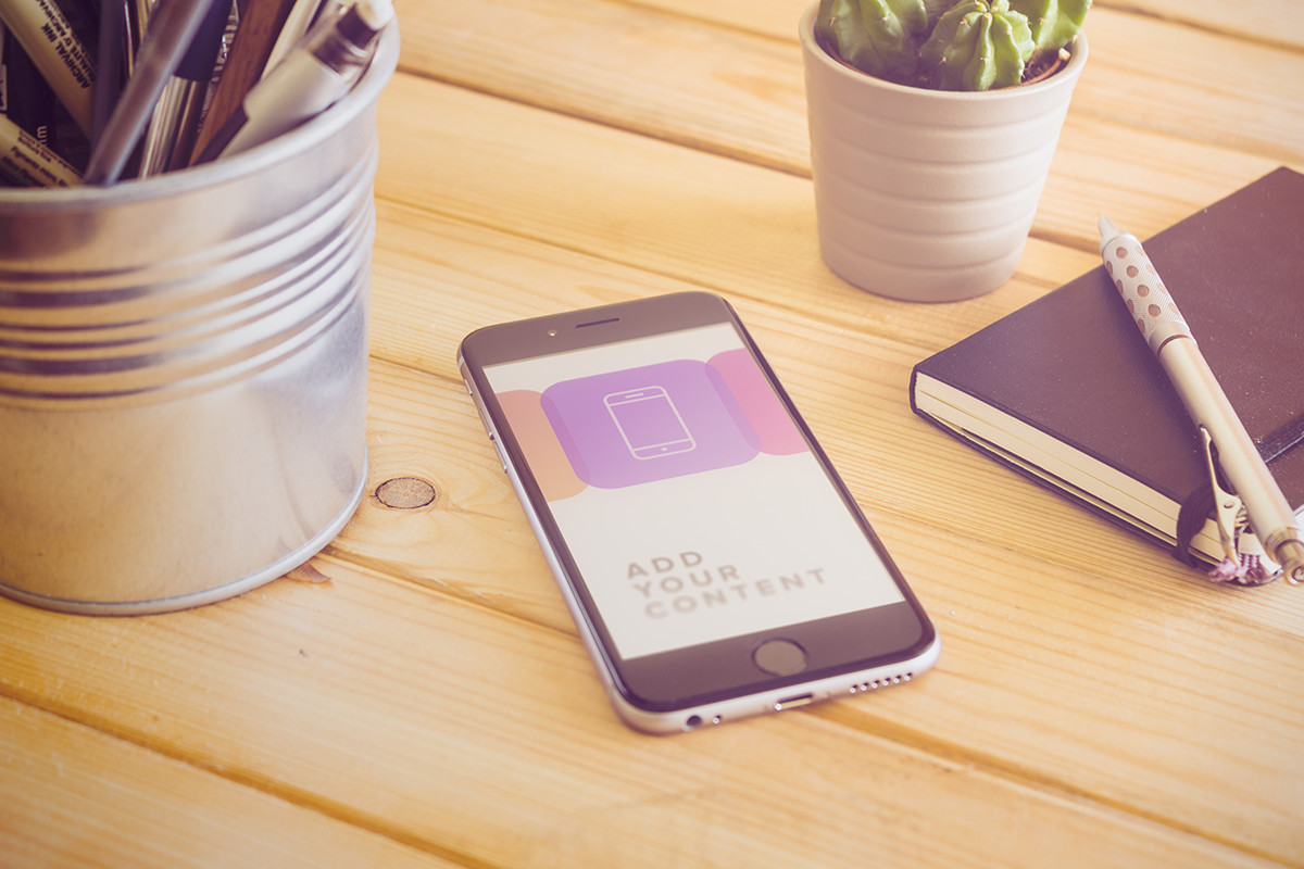 free-creative-iphone-6-mockup