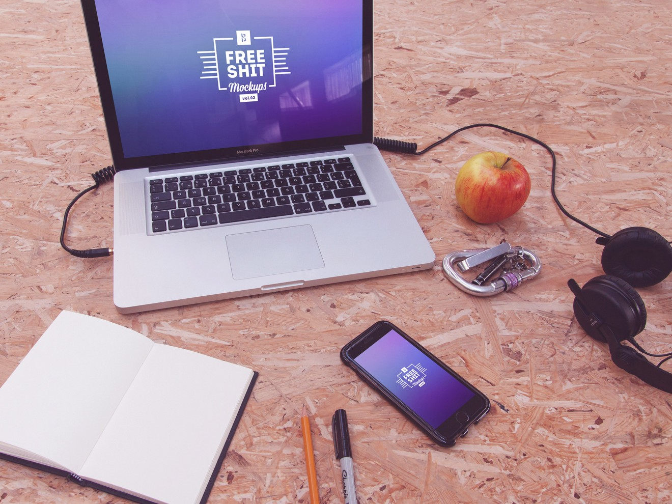 10-free-hi-res-iphone-macbook-mockups