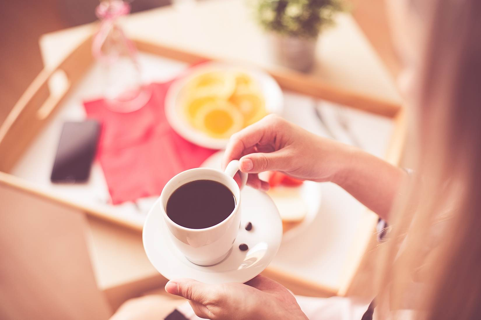 woman-with-morning-coffee-breakfast