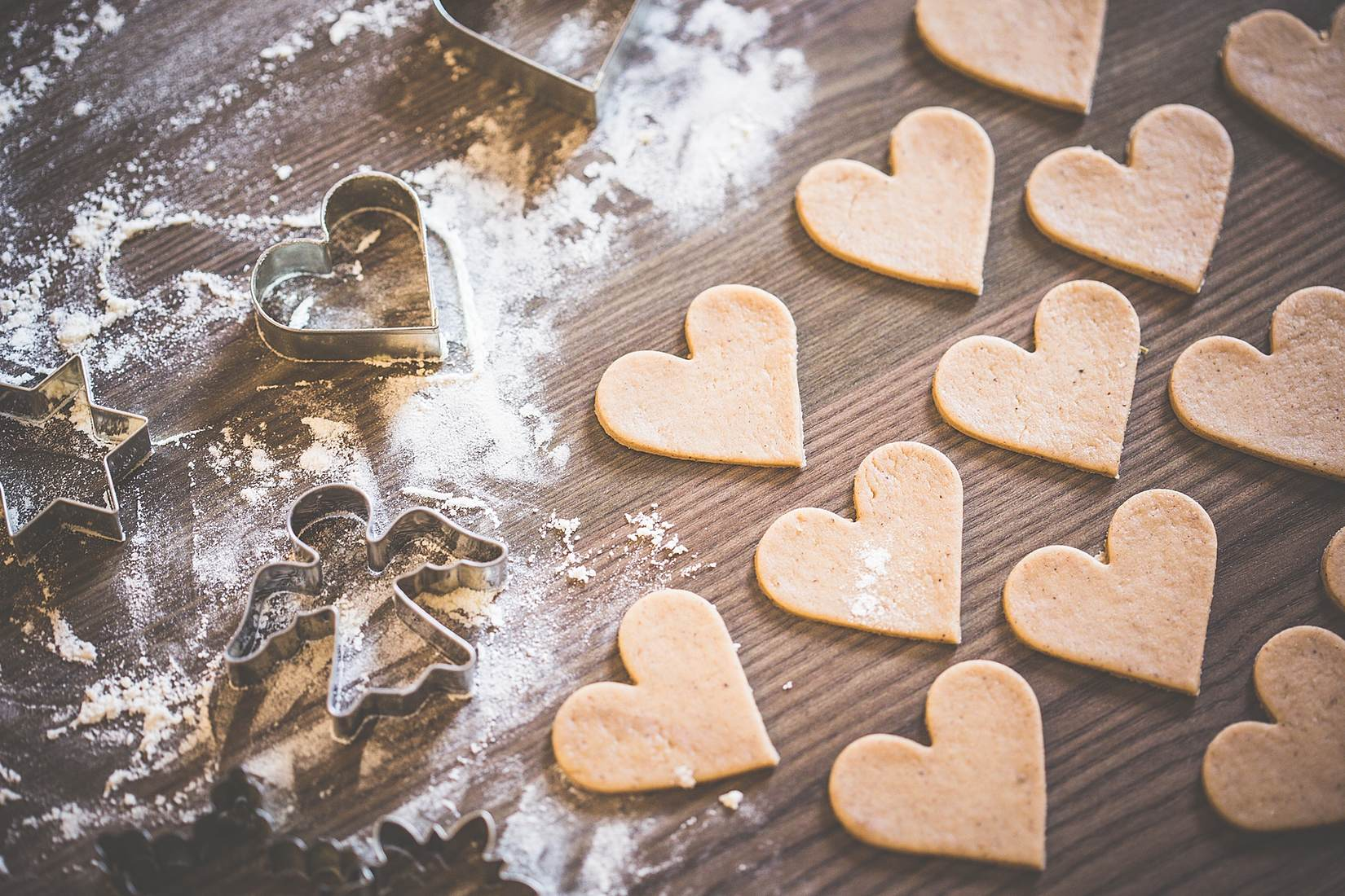 christmas-baking-lovely-yummy-hearts