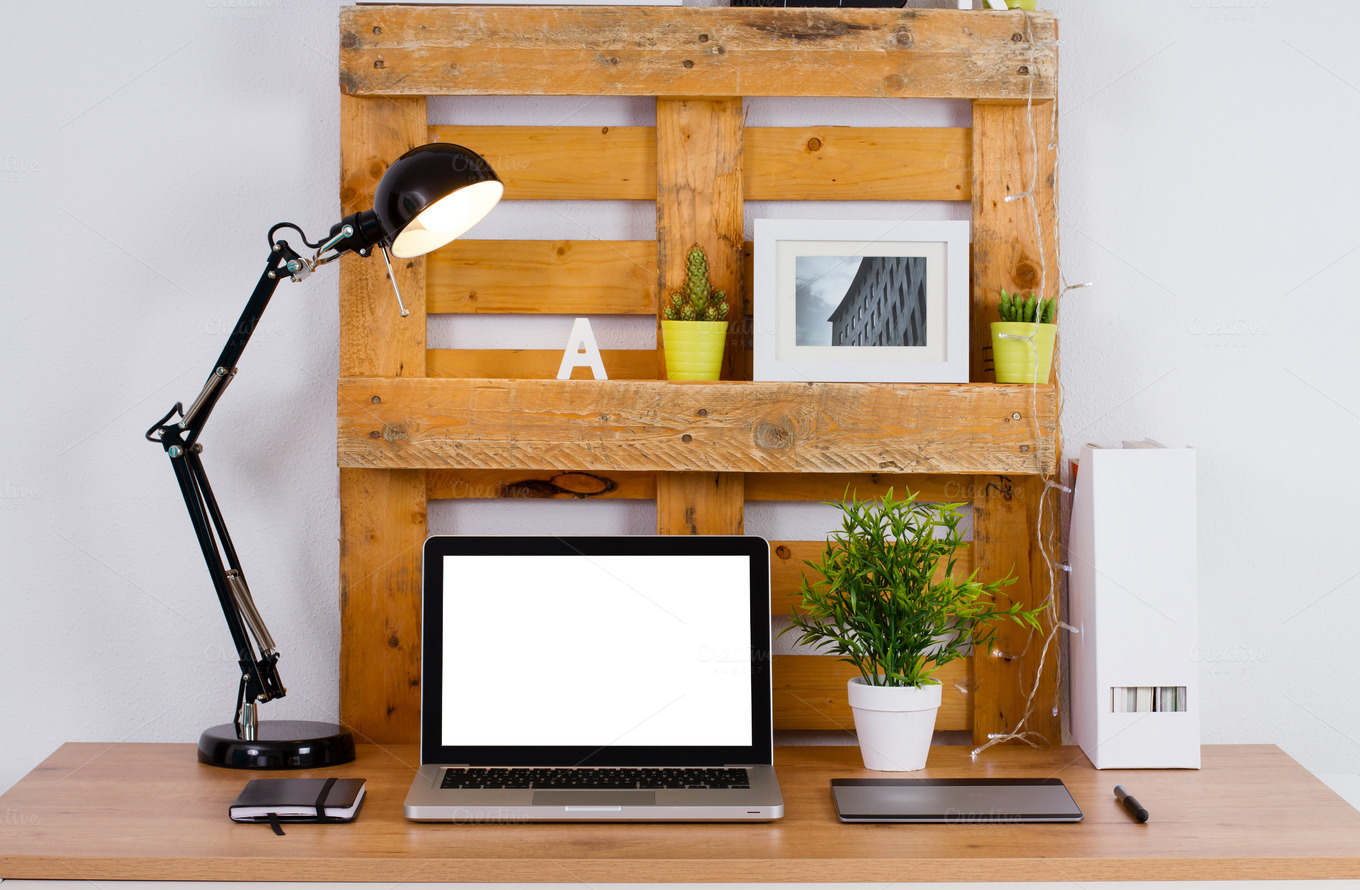 workspace-make-with-pallet