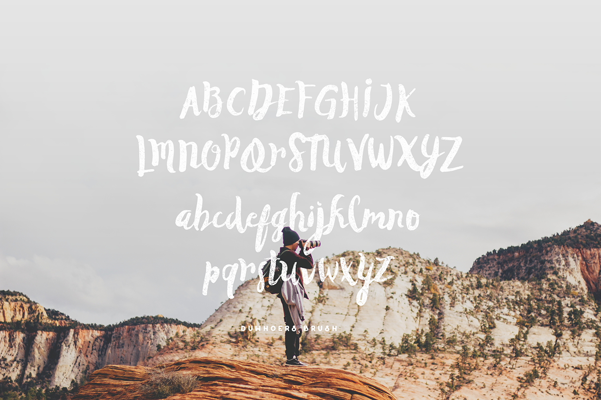 Duwhoers-Brush-Free-Font