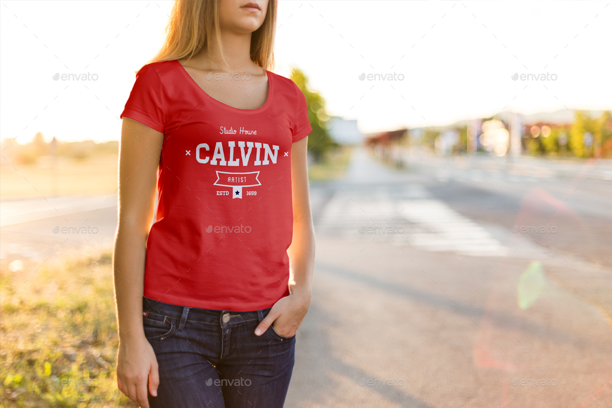 tshirt-mockup-female-model-edition