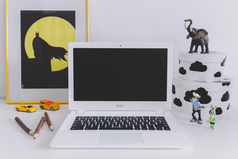 white-acer-chromebook-on-kids-desk