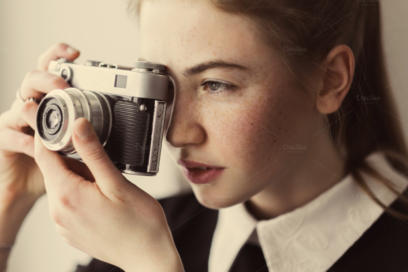 Beautiful-girl-photographer