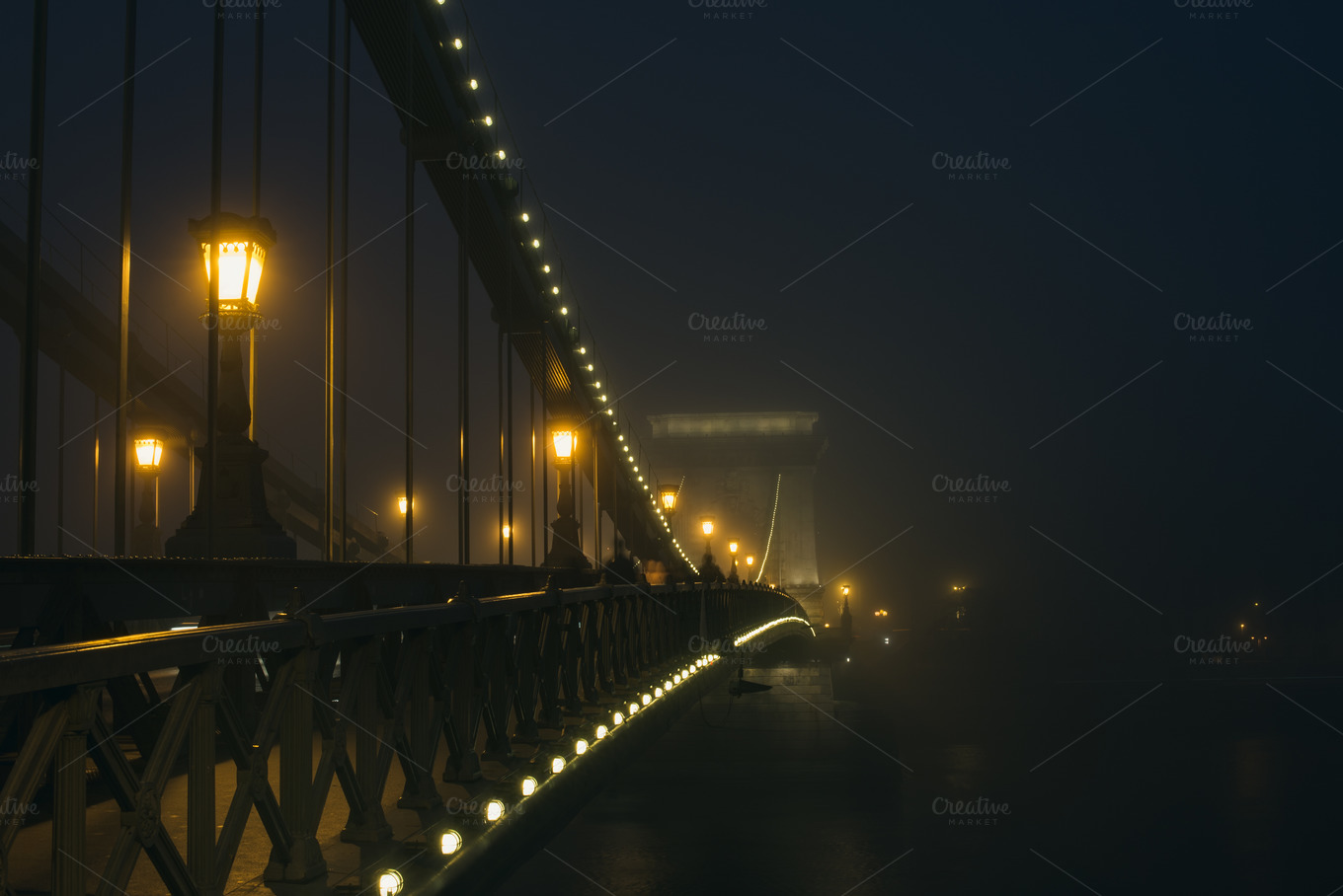 Chain-Bridge-in-Budapest