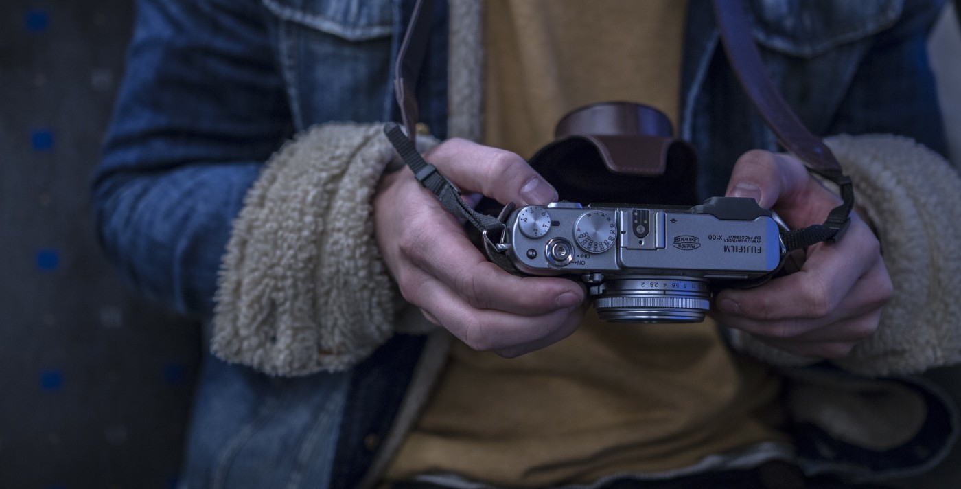 vintage-photo-camera in hands