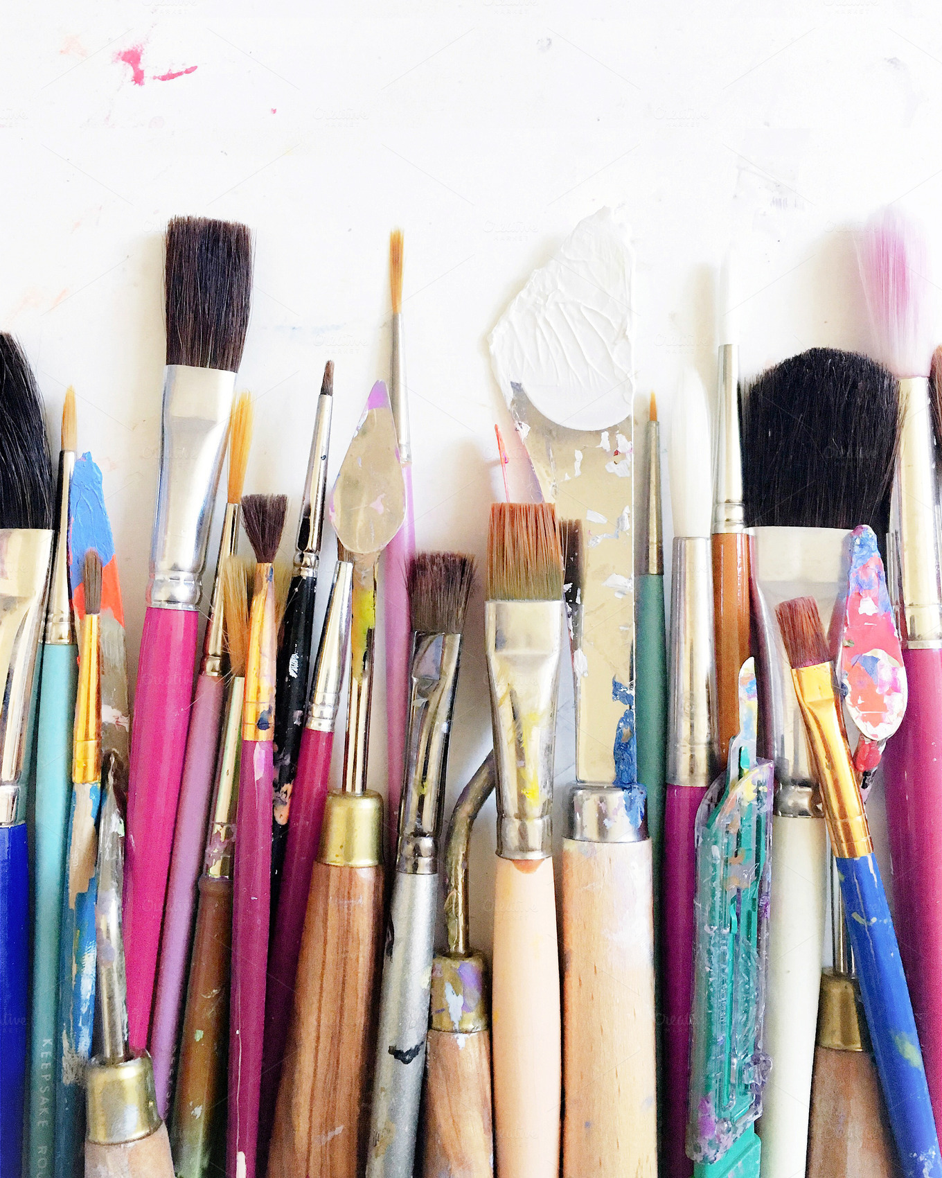 Colorful-Artist-Paintbrushes-Tools