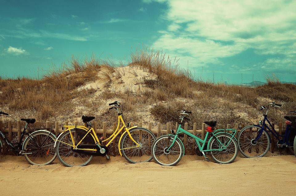 bicycles-at-the-beach