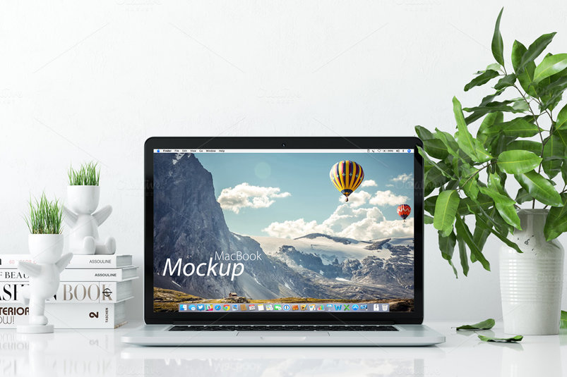 mockup-macbook-on-the-desk-2