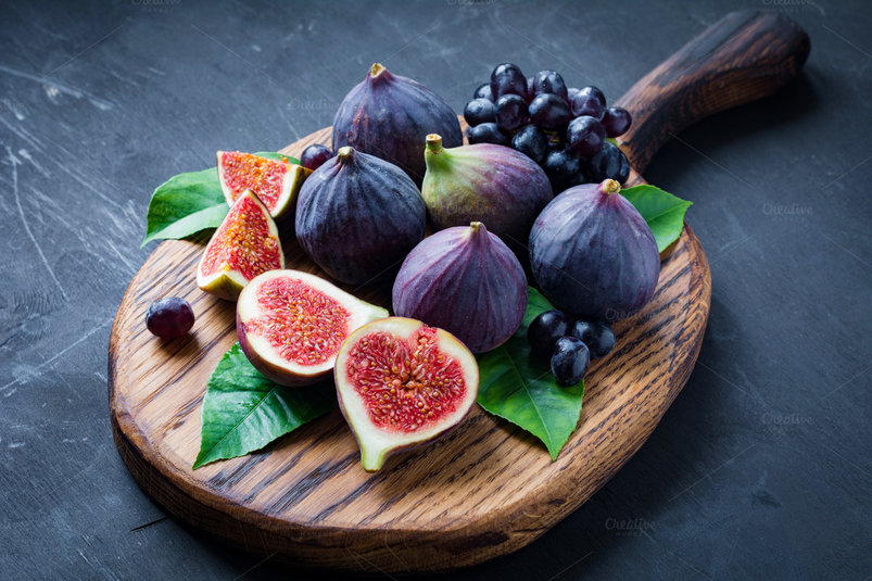 fresh-figs-and-grapes-2