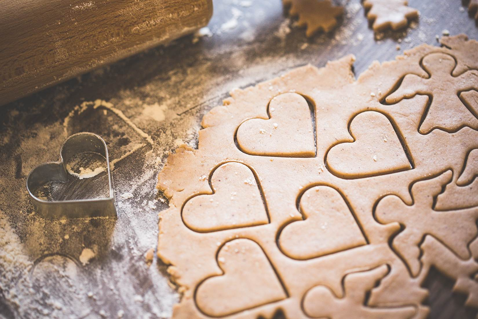 baking-christmas-lovely-hearts-sweets